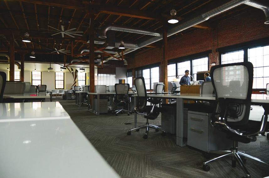 7 Hal Wajib yang Perlu Diperhatikan Sebelum Memilih Kursi Kantor!