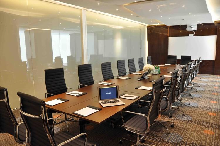 Pola Penyusunan Meja Untuk Ruang Rapat Professional